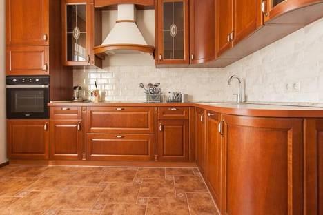 Сдается 2-комнатная квартира посуточнов Казани, ул. Сибгата Хакима, 17.