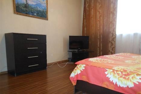 Сдается 2-комнатная квартира посуточнов Омске, улица Иртышская Набережная дом 15.