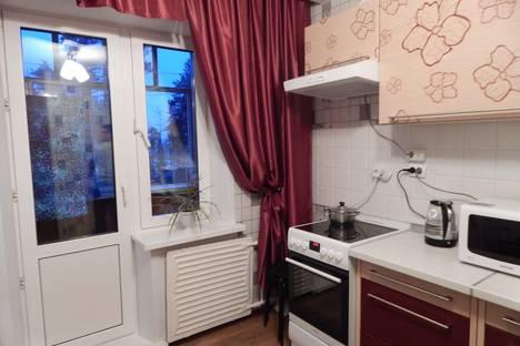 Сдается 1-комнатная квартира посуточно в Усть-Илимске, проспект Дружбы Народов, 17.