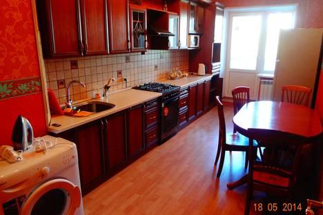 Сдается 3-комнатная квартира посуточно в Костроме, ул. Войкова, 41.