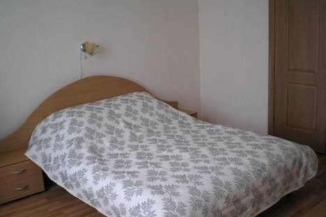 Сдается 1-комнатная квартира посуточно в Гатчине, ул. Чехова 8.