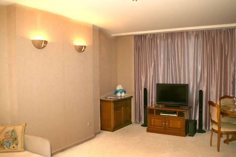 Сдается 1-комнатная квартира посуточно в Гатчине, ул. 25 Октября проспект 75.