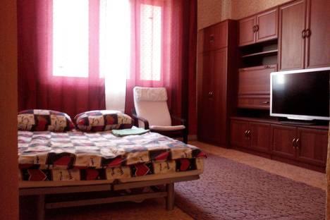 Сдается 1-комнатная квартира посуточно, Генерала Варенникова 4.