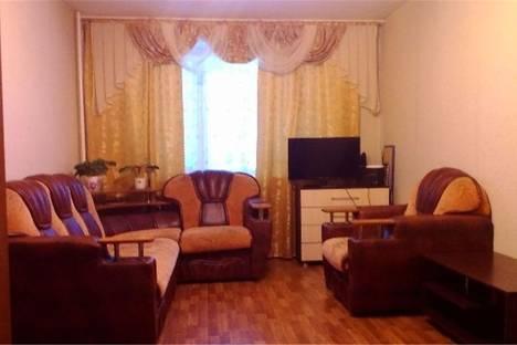 Сдается 2-комнатная квартира посуточнов Омске, ул.Иртышская Набережная д. 27/5.