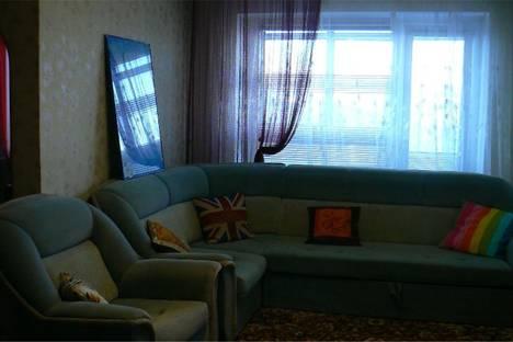 Сдается 2-комнатная квартира посуточнов Омске, ул.Иртышская Набережная д. 2/4.
