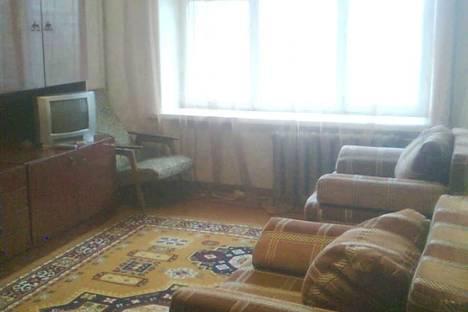 Сдается 1-комнатная квартира посуточно в Гатчине, ул. Киргетова 20.