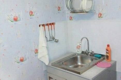 Сдается 1-комнатная квартира посуточно в Орске, ул. Ялтинская, 99.
