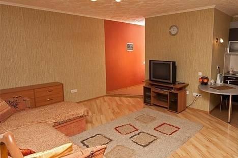 Сдается 1-комнатная квартира посуточно в Гатчине, 25 октября проспект 75.