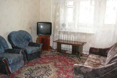 Сдается 1-комнатная квартира посуточно в Гатчине, ул. Чехова 13.