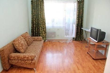 Сдается 2-комнатная квартира посуточно в Гатчине, Чкалова 59а.