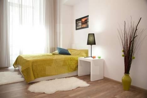Сдается 2-комнатная квартира посуточно в Тольятти, Приморский бульвар, 40.