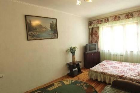 Сдается 2-комнатная квартира посуточно в Алуште, Горького 5.