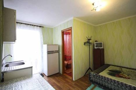 Сдается 1-комнатная квартира посуточно в Алуште, краснофлотская 10\12.