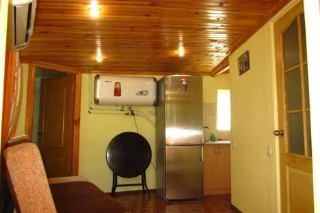 Сдается 1-комнатная квартира посуточно в Алупке, Калинина, 27.