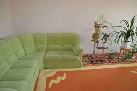 Сдается 4-комнатная квартира посуточнов Щелкином, 1 микрорайон, 30.