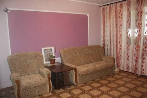 Сдается 2-комнатная квартира посуточнов Щелкином, 3 микрорайон, 103.