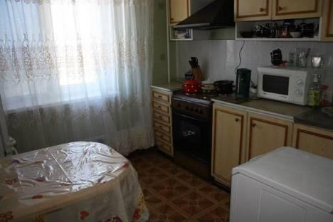 Сдается 2-комнатная квартира посуточно в Щелкином, 1 микрорайон, 36.