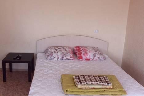 Сдается 1-комнатная квартира посуточнов Элисте, Сусеева, 9.
