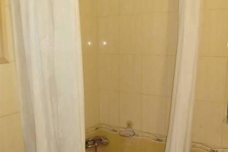 Сдается 2-комнатная квартира посуточно в Новом Свете, Голицина, 6а.