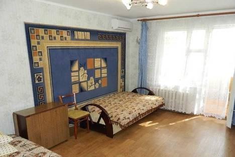 Сдается 2-комнатная квартира посуточно в Орджоникидзе, Ленина 4а кв 3.