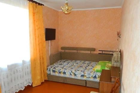 Сдается 2-комнатная квартира посуточно в Орджоникидзе, Ленина 1 кв 20.