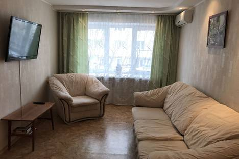 Сдается 2-комнатная квартира посуточно, ул. Владивостокская, 26.