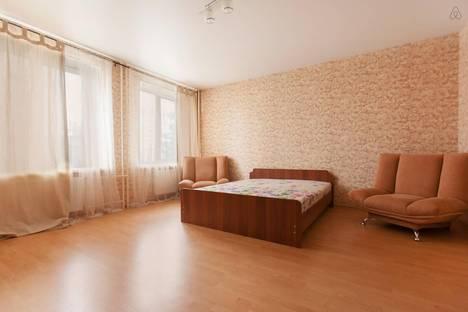 Сдается 2-комнатная квартира посуточнов Казани, Амирхана 12Е.