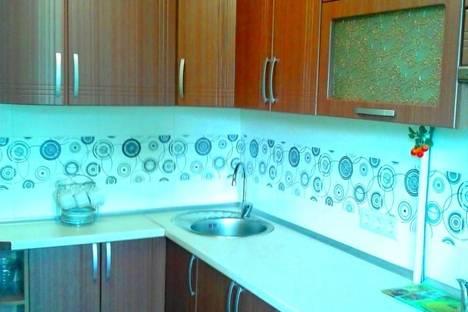 Сдается 2-комнатная квартира посуточно в Алуште, таврическая 3.