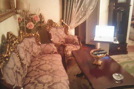 Сдается 3-комнатная квартира посуточно в Туапсе, ул. Красной Армии, 13.