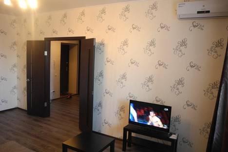 Сдается 1-комнатная квартира посуточнов Омске, ул. 6-я Линия, 99.