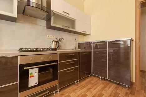 Сдается 2-комнатная квартира посуточнов Казани, ул. Парижской Коммуны, 19.