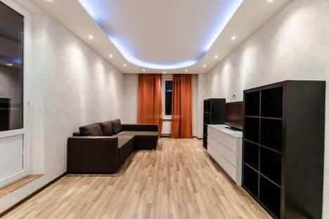 Сдается 2-комнатная квартира посуточнов Санкт-Петербурге, проспект Сизова, дом 52.