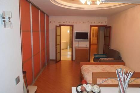 Сдается 3-комнатная квартира посуточно в Нижнем Новгороде, ул. Ижорская, 11.