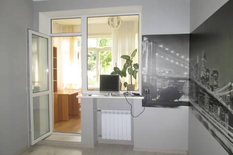 Сдается 2-комнатная квартира посуточно в Ялте, ломаносова 51.