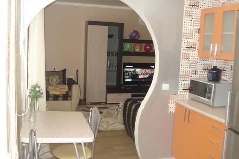 Сдается 1-комнатная квартира посуточно в Каменск-Шахтинском, Ворошилова 155а.