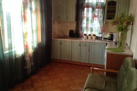 Сдается 3-комнатная квартира посуточнов Форосе, Томская, 44.