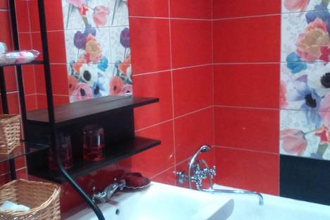 Сдается 2-комнатная квартира посуточно в Красногорске, ул.Спасская, д. 1, к.1.