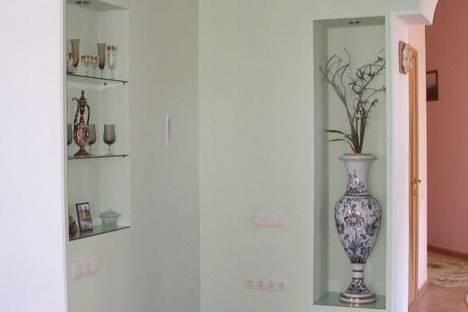 Сдается 3-комнатная квартира посуточнов Сочи, ул. Политехническая, 16.