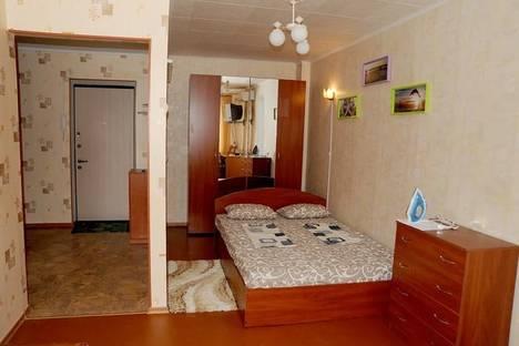 Сдается 1-комнатная квартира посуточно в Ильичёвске, Парковая 2А.