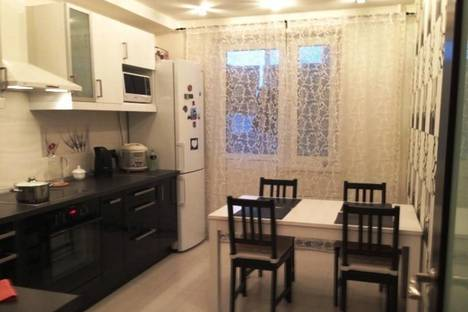 Сдается 3-комнатная квартира посуточнов Казани, Амирхана 5.