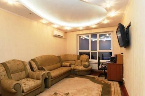 Сдается 3-комнатная квартира посуточнов Казани, Чистопольская 76.