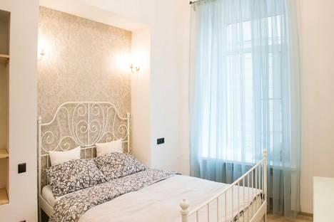 Сдается 2-комнатная квартира посуточнов Санкт-Петербурге, Невский проспект, 45.