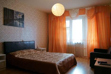 Сдается 1-комнатная квартира посуточно, ул. Картукова, 1.