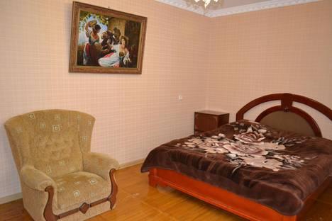 Сдается 3-комнатная квартира посуточнов Малом маяке, ул.Партенитская,д.9.