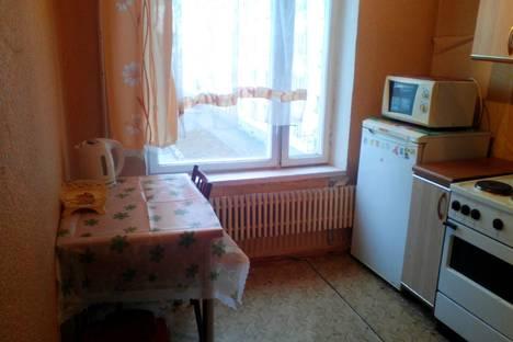 Сдается 1-комнатная квартира посуточнов Воскресенске, ул. Октябрьской революции, д297.
