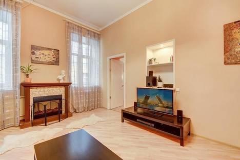Сдается 3-комнатная квартира посуточнов Санкт-Петербурге, Канала Грибоедова набережная, 22.