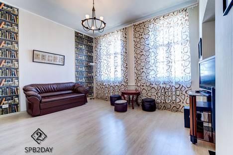 Сдается 3-комнатная квартира посуточно в Санкт-Петербурге, ул. Ефимова 1.1.