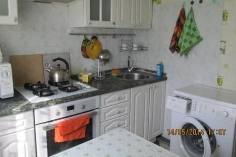Сдается 2-комнатная квартира посуточно в Сочи, 50 лет СССР, д. 5.