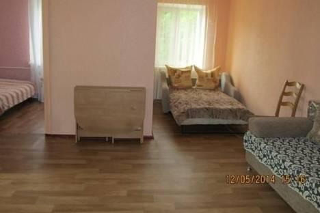Сдается 2-комнатная квартира посуточнов Сочи, Красных Партизан, д. 10.