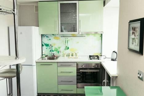 Сдается 2-комнатная квартира посуточно в Кемерове, ул. Дзержинского, 6.